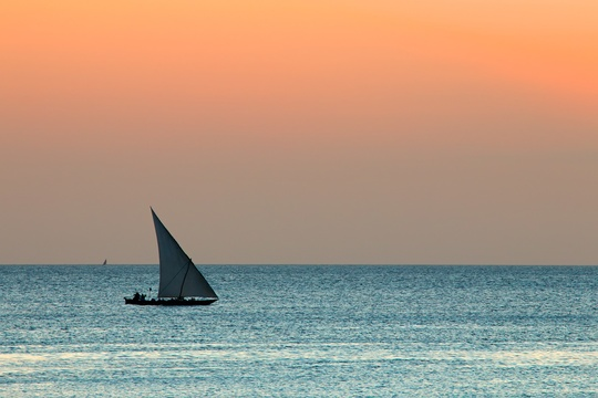 sunset sailing island holiday